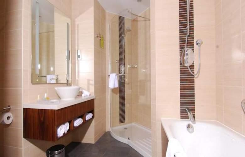 Hilton Garden Inn Rzeszow - Room - 8