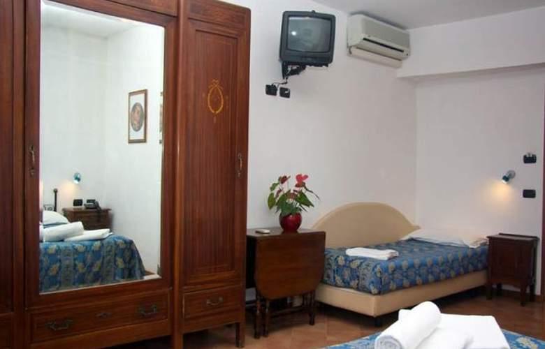 Sole Roma - Room - 6