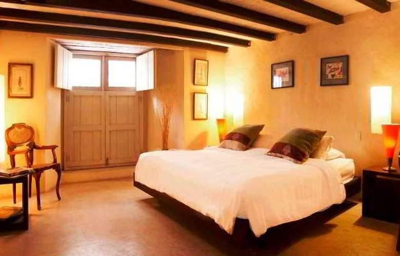 Casa Pombo - Room - 10