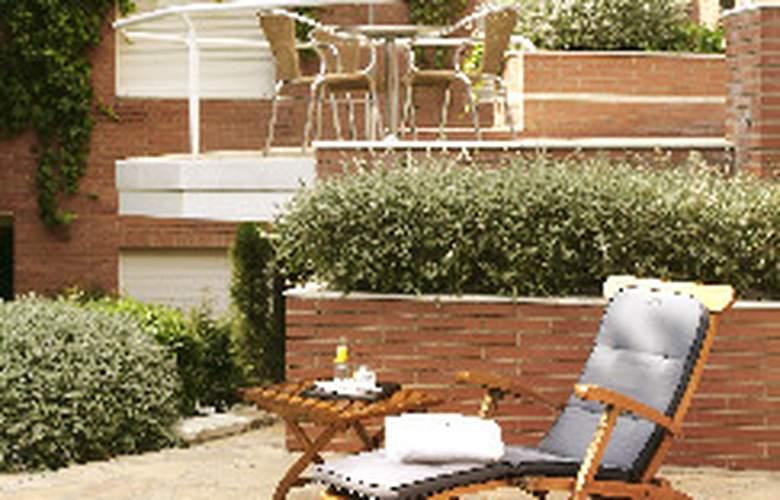 Balmes Residence Luxe - Pool - 2