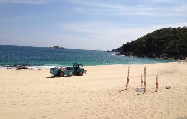 La Isla Huatulco - Beach - 15