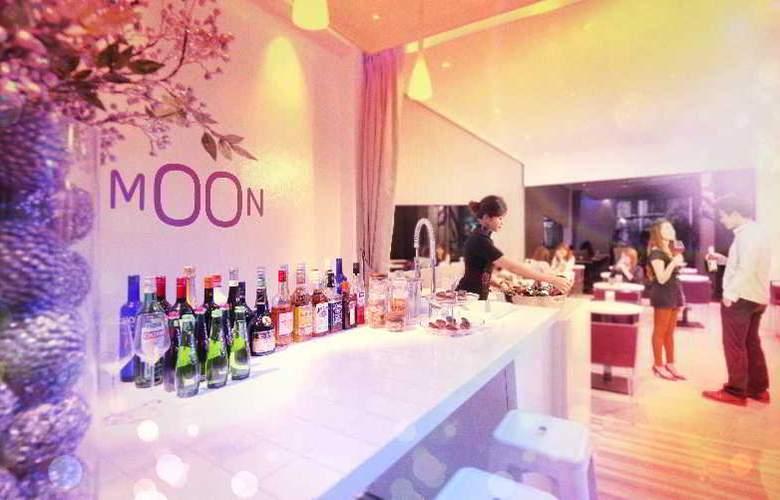 Moon Hotel Singapore - Bar - 10
