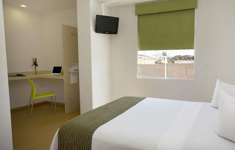 One Aguascalientes Sur - Room - 2