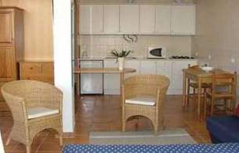 Apartamentos Quinta dos Pinheiros - Room - 1
