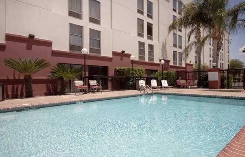 Hampton Inn Laredo - Hotel - 2