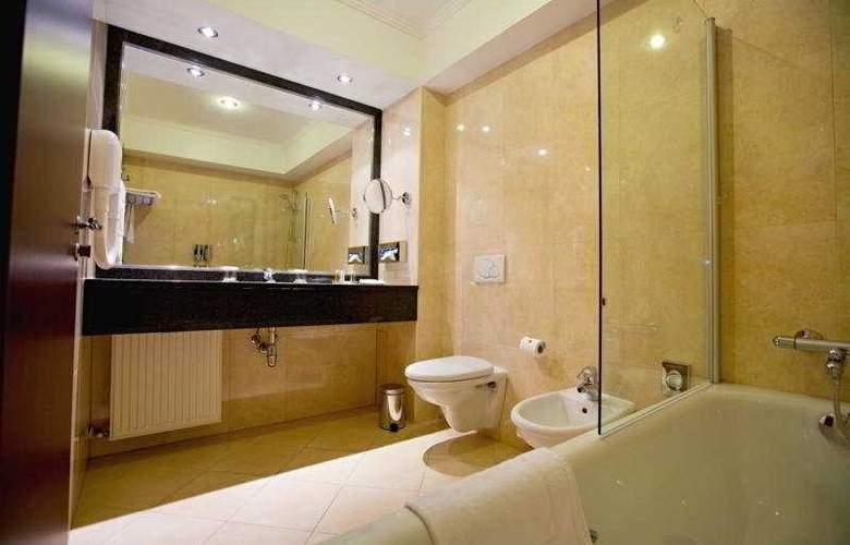 Ramada Hotel & Suites Bucharest North - Room - 5