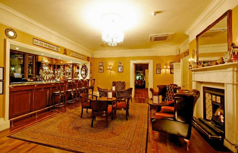 Finnstown Country House Hotel - Bar - 5