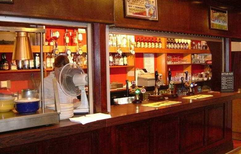 The County - Bar - 3