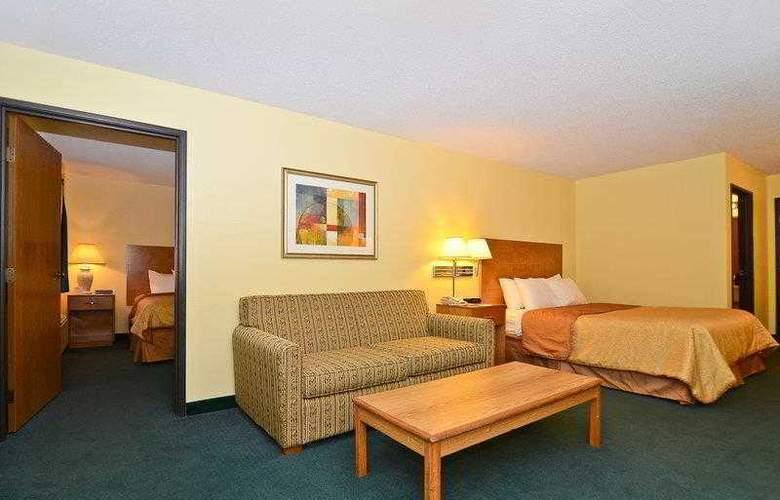 Best Western Ambassador Inn & Suites - Hotel - 36