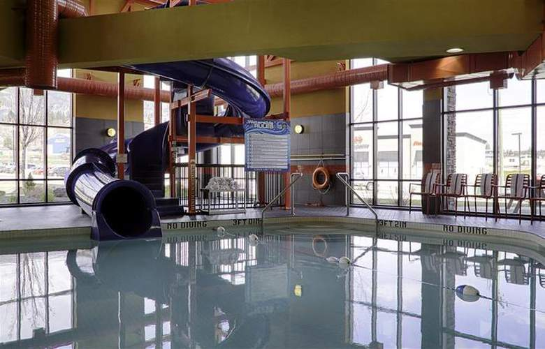 Best Western Wine Country Hotel & Suites - Pool - 77