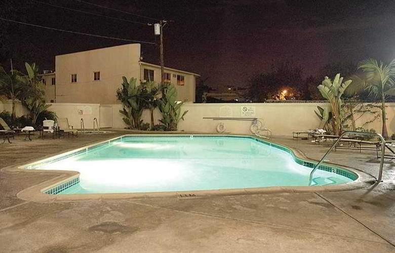 Beverly Hills Marriott - Pool - 6
