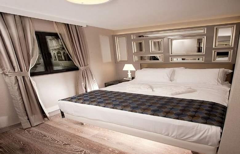 La Villa Hotel - Room - 4