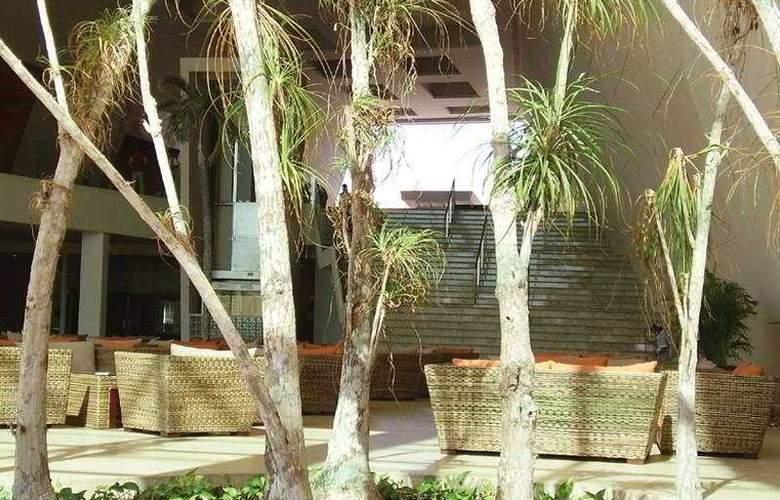 Grand Sirenis Riviera Maya Resort and Spa - Terrace - 6