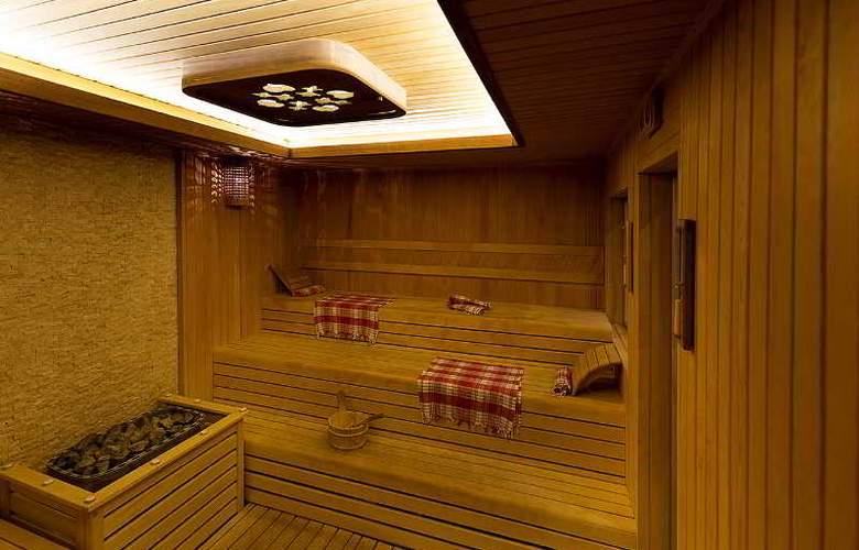 Ramada Hotel & Suites Atakoy - Sport - 33