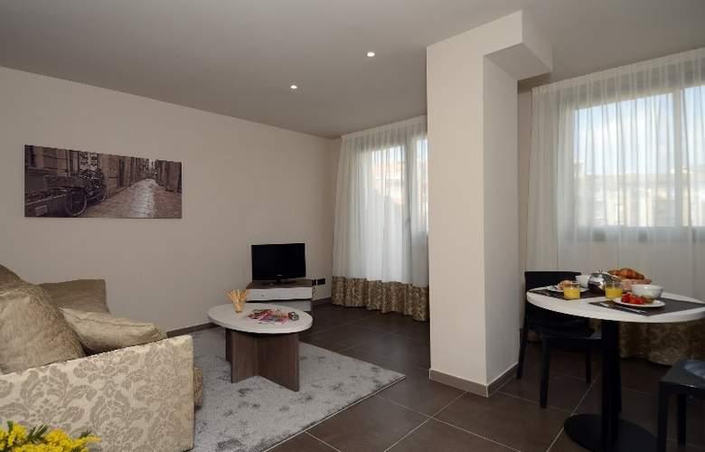 Pierre & Vacances Barcelona Sants - Hotel - 4