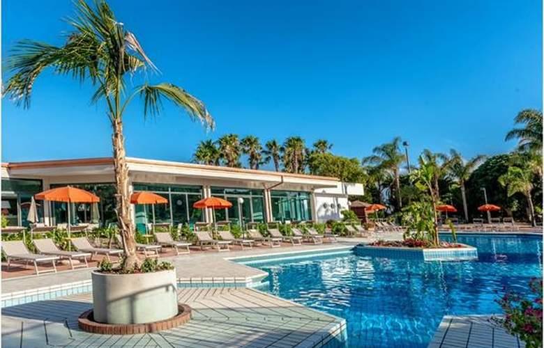 Acacia Marina Palace - Hotel - 4