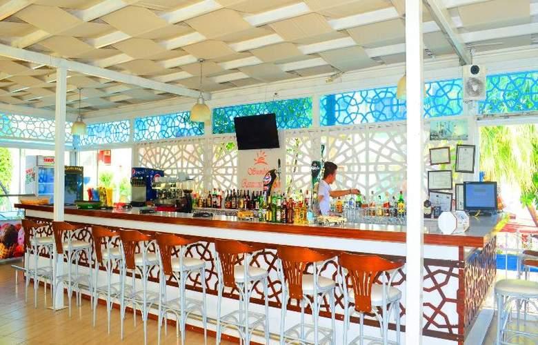 Sunbird Apart Hotel - Restaurant - 33