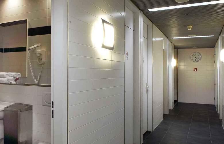 Mercure Hotel Schiphol Terminal - Services - 4
