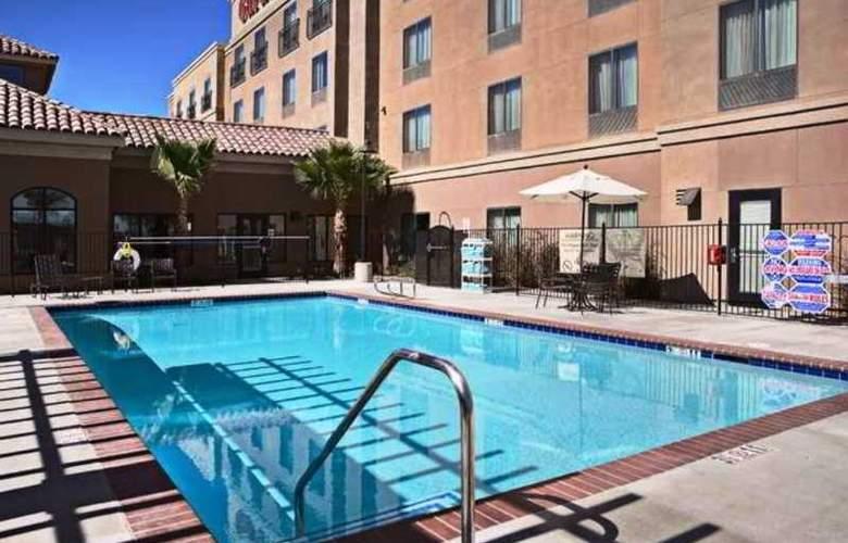 Hilton Garden Inn Palmdale - Pool - 5