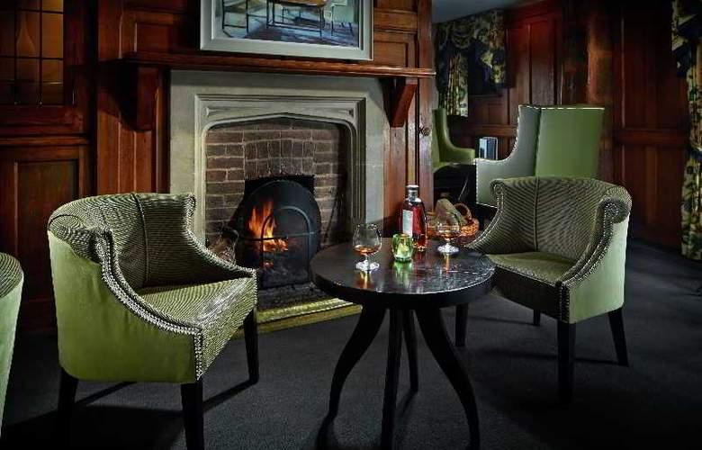 Langshott Manor - Bar - 3