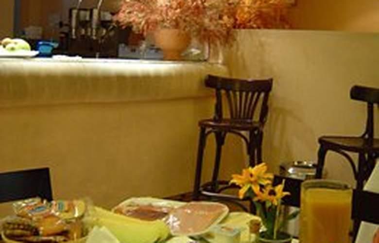 Laris - Restaurant - 9