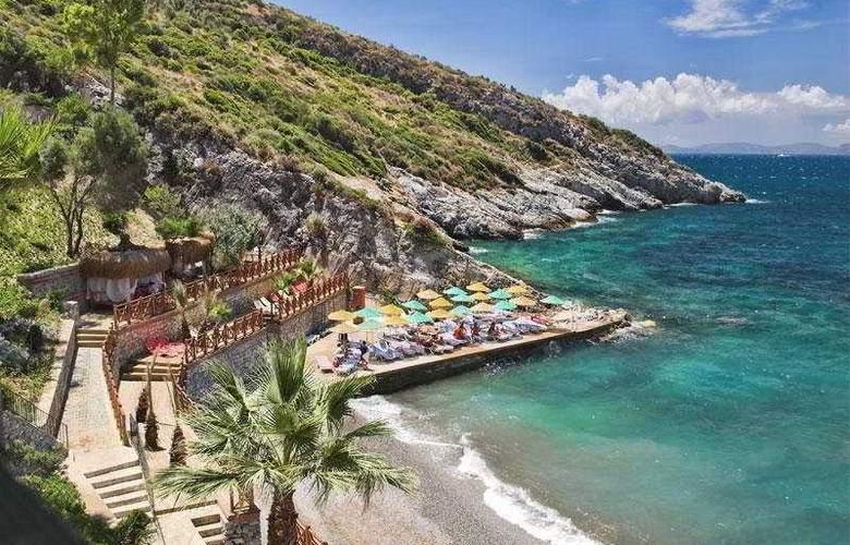 Alkoclar Adakule Hotel - Beach - 8