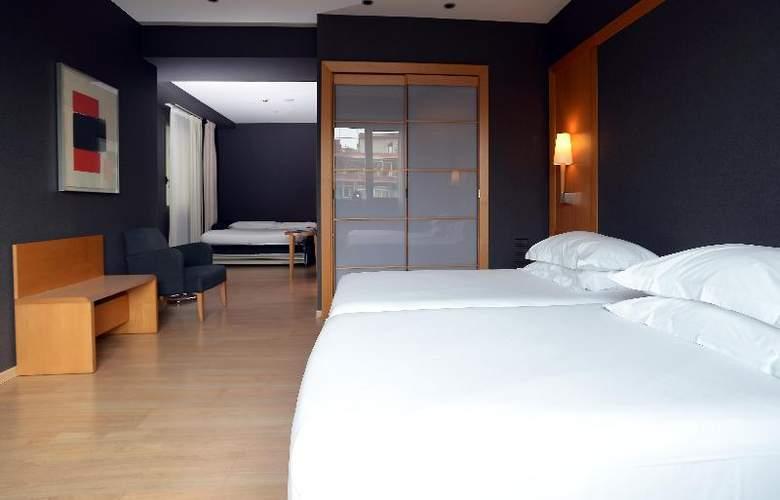 Barcelona Universal - Room - 45