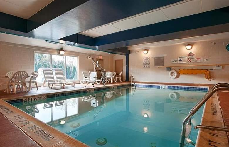 Best Western Lebanon Valley Inn & Suites - Pool - 33
