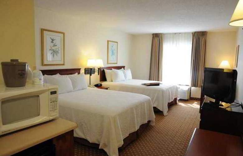 Hampton Inn Panama City Beach - Hotel - 3