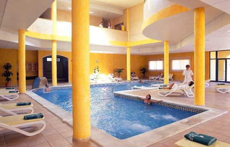 Grand Muthu Golf Plaza - Pool - 10