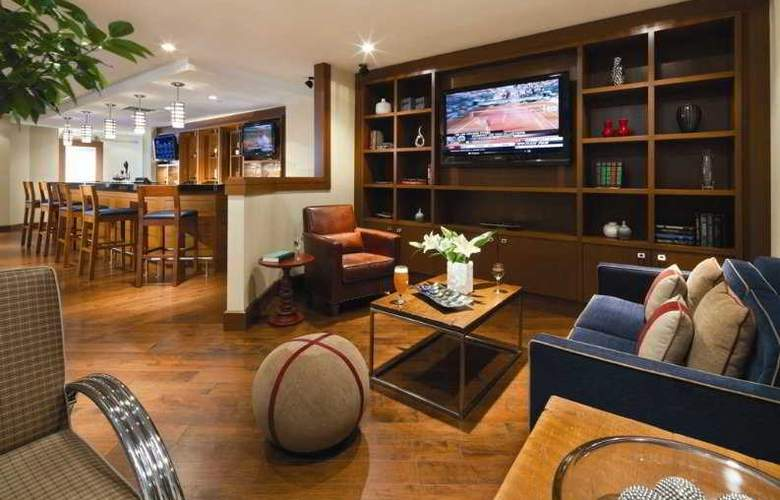 Four Points by Sheraton Hotel & Conference Centre Gatineau-Ottawa - Bar - 6