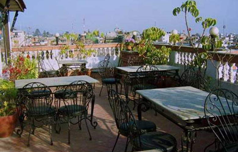 Heritage Home Hotel and Guest House - Terrace - 4