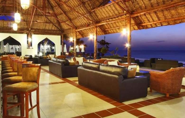 Sea Cliff Resort & Spa - Bar - 13