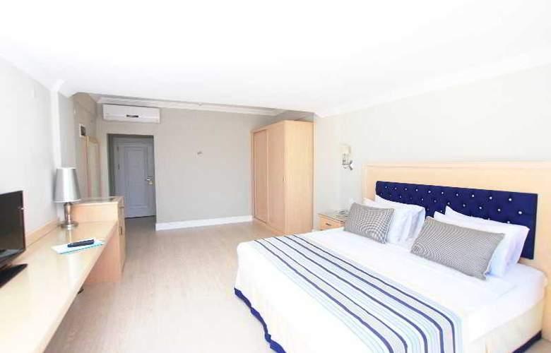 Palm Bay Beach Hotel - Room - 12