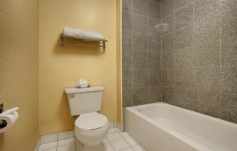 Best Western Plus Orchard Inn - Room - 41