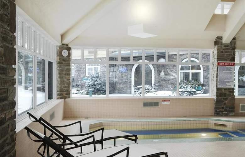 Best Western Plus Pocaterra Inn - Pool - 3
