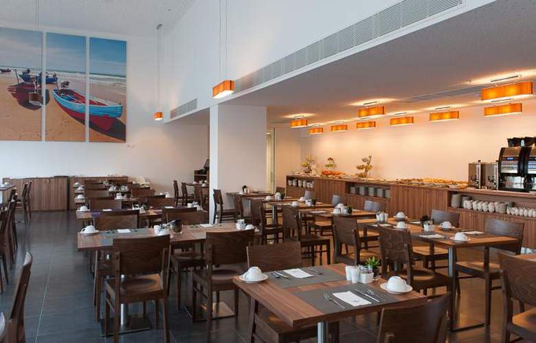 Eurostars Oasis Plaza - Restaurant - 4