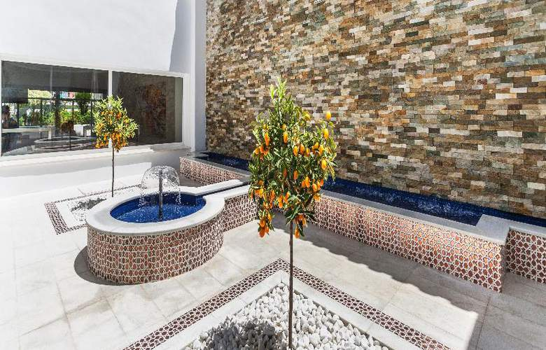 Globales Playa Estepona - Hotel - 11