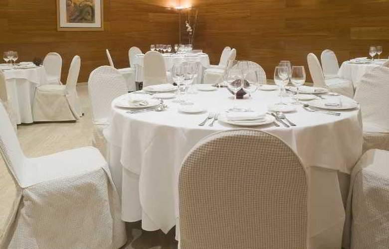 NH Oviedo Principado - Restaurant - 8