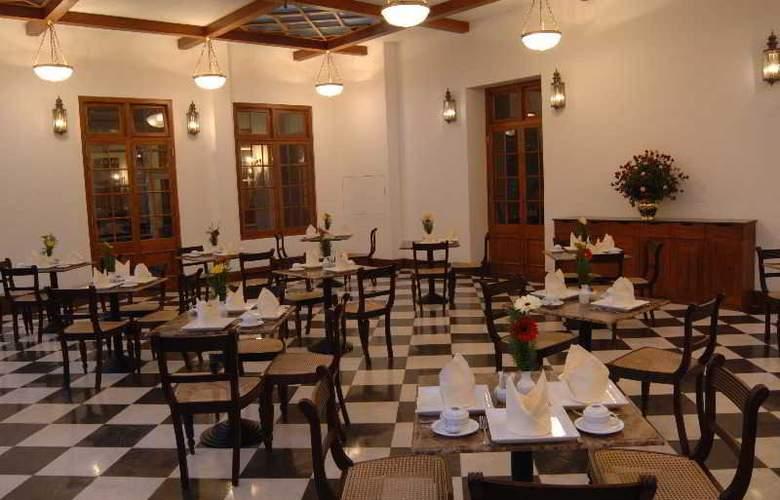 Grand Hotel Nuwara Eliya - Terrace - 23