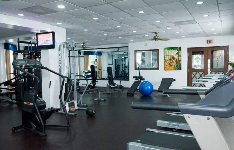 Radisson Fort George Hotel & Marina - Sport - 4