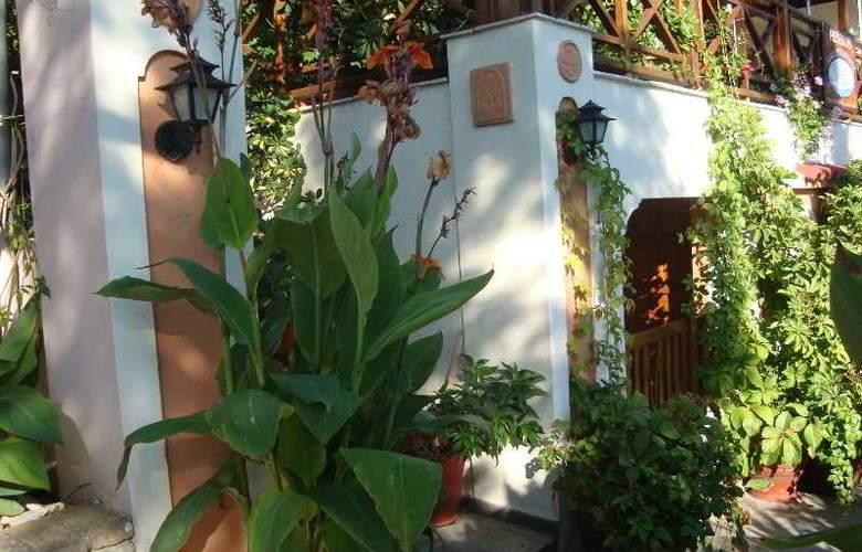 Galazios Kolpos Pension - Hotel - 6