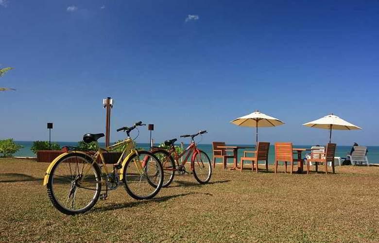 La Flora Resort & Spa - Beach - 7
