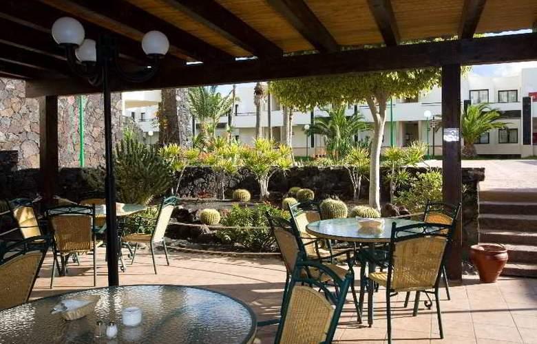 Royal Monica - Terrace - 19