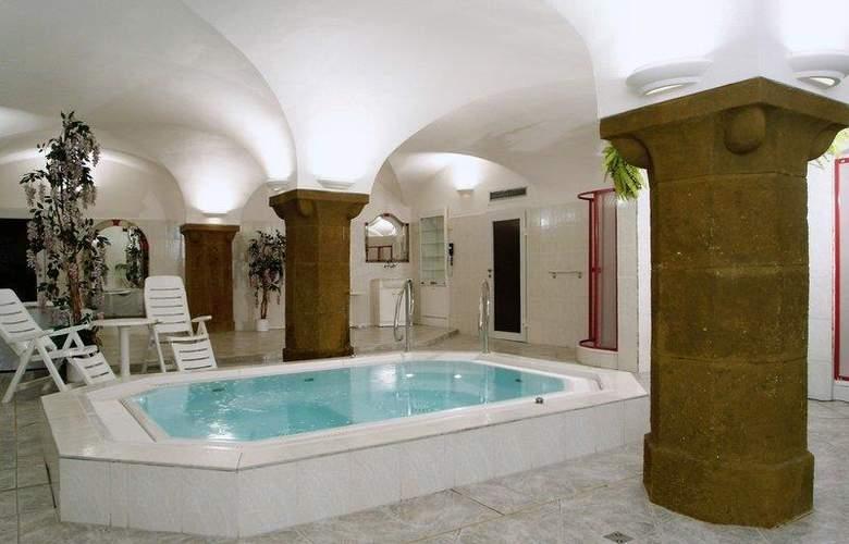 Best Western Hotel Meteor Plaza - Sport - 43