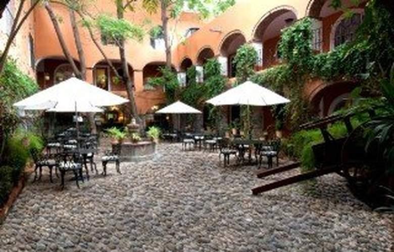 Best Western Monteverde Express - Terrace - 11