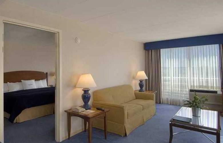 Doubletree Club Bayside - Hotel - 13