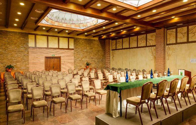 Comendador - Conference - 34