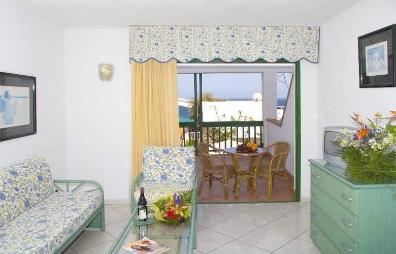 Esquinzo Y Monte Del Mar - Room - 6