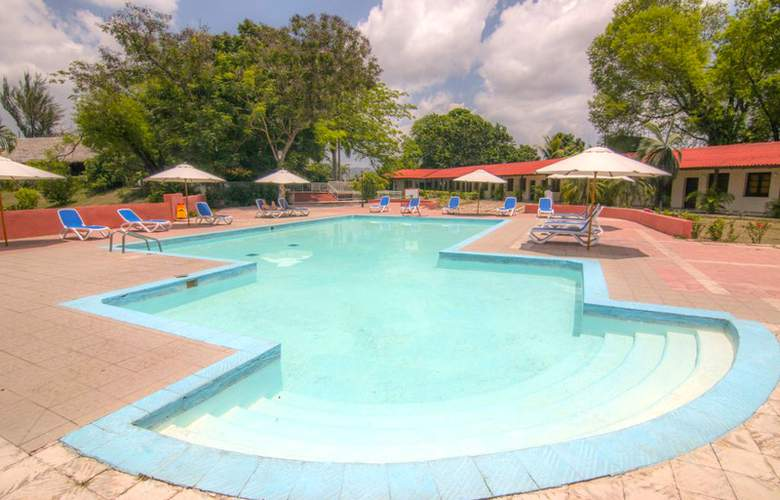 Rancho Club - Hotel - 0